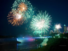 Niagara-Falls-Fireworks (2)